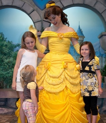 Nude girl mom banned from disneyland